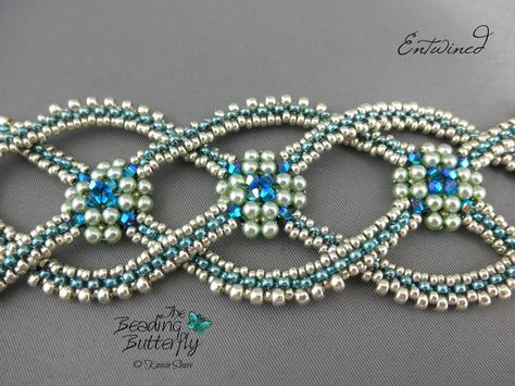 Inspired by Celtic rope designs, the interwoven arms of this bracelet are made with Layered Right Angle Weave (LRAW) and Faux Cubic Right