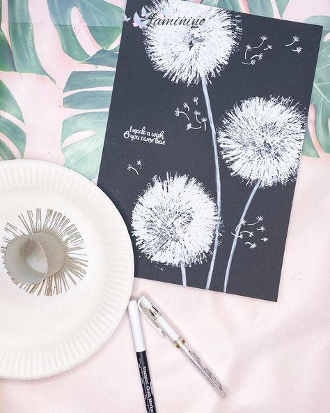 Auch eine #Pusteblume kann man super mit einer einfachen #Klorolle stempeln. Dazu schneidest du auf einer Seite der Rolle etwa 1 cm tief in die Rolle ein und wiederholst dies im Abstand von knapp einem mm bis du einmal um die Rolle herum bist. Dann faltest du die dünnen Streifen alle nach außen, sodass quasi eine Sonne entsteht. Gib nun weiße Farbe auf eine Unterlage und tunke den Klorollen-Stempel gut ein. Damit die Farbe richtig schön raus kommt, stemple am besten auf schwarzes Papier.