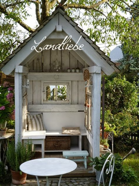 L A N D L I E B E Cottage Garden Garten The Farmer S Garden Is Considered The Epitome Of Rural Life Here Hea In 2020 Cottage Garden Sheds Cottage Garden Backyard