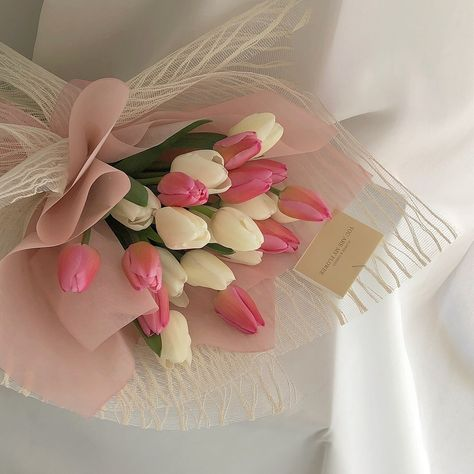 justasimplelife07 Luxury Flowers, My Flower, Pretty Flowers, Fresh Flowers, Flower Aesthetic, Pink Aesthetic, Aesthetic Outfit, Plants Are Friends, Planting Flowers