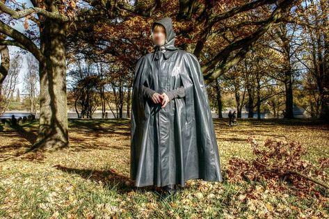 Raincoats For Women New York #H&MWomensRaincoat Info: 3000274681 #RainJacketYouth