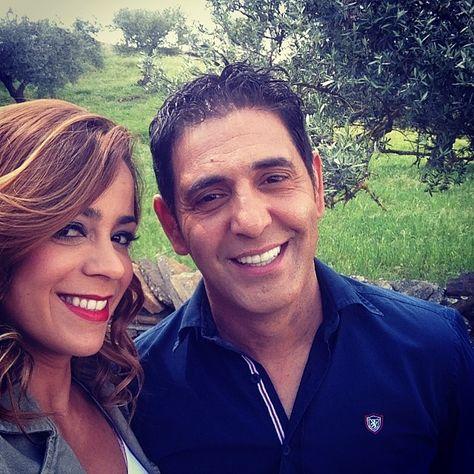 """Rita Ferrro Rodrigues com José Figueiras: """"Quem é que se queixava do frio? 27 graus em Barrancos e ainda vai subir . Ui ."""" #ritaferrorodrigues #barrancos #frio"""