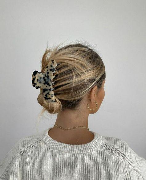 #hairinspo #hairstyleideas #beautytrend Hair Inspo, Hair Inspiration, Fashion Inspiration, Aesthetic Hair, Aesthetic Makeup, Good Hair Day, Hair Dos, Pretty Hairstyles, Straight Hairstyles