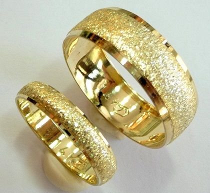 15 Matching Pair Couple Gold Rings Designs In India Mens Wedding Rings Rings For Men Gold Wedding Band Sets