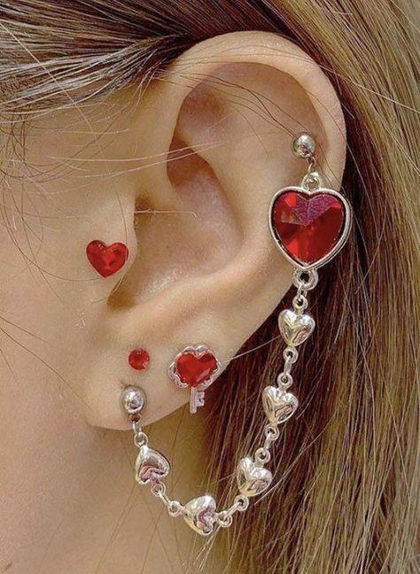 Ear Jewelry, Cute Jewelry, Body Jewelry, Jewelery, Jewelry Accessories, Cool Ear Piercings, Cool Peircings, The Bling Ring, Piercing Tattoo