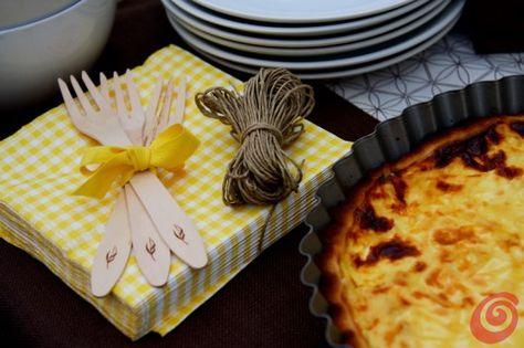 La torta salata per la nostra festa all'aperto e la tavola apparecchiata estiva quiche lorraine recipe