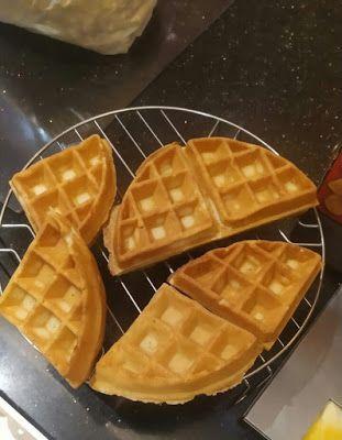 Pin Oleh Mufid Roi Di Wafle Karamel Waffle Adonan