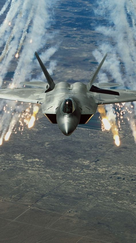 LOCKHEED MARTIN F-22 RAPTOR FIGHTER JET PHOTO AIR FORCE MILITARY AVIATION POWER