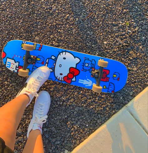 Aesthetic Indie, Aesthetic Collage, Aesthetic Vintage, Aesthetic Photo, Aesthetic Pictures, Estilo Indie, Skateboard Deck Art, Skateboard Design, Fille Indie