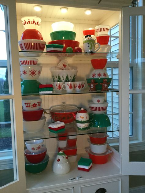Pyrex; red and green Christmas display 2015