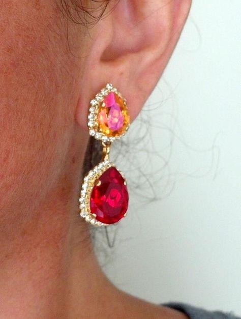 #jewelry #earrings #chandelierearrings #bridesmaidgift #bridalearrings #swarovskiearrings #chandelierearrings #statementearrings #dangleearrings #vintageearrings #dropearrings #crystalearrings #rhinestoneearrings #bridalwedding #orangeandred