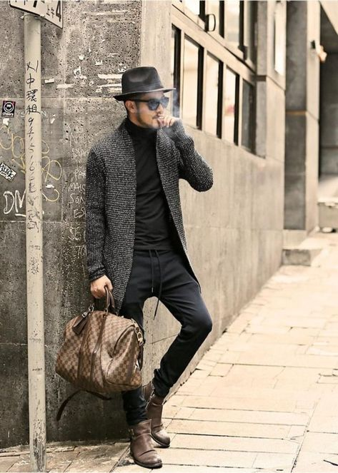 50 Winter Outfits Ideas for Men to Stay Fashionable and Elegant http://outfitmax.com/index.php/2019/02/23/50-winter-outfits-ideas-for-men-to-stay-fashionable-and-elegant/