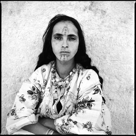 - © Marc Garanger (collection de l'artiste)  femme algérienne 1960