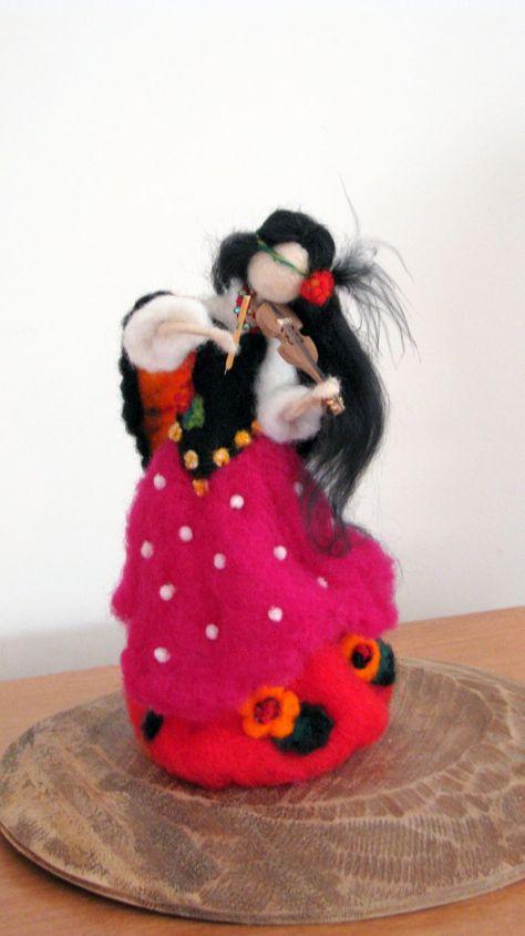 Nadel gefilzte Zigeuner Puppe Waldorf inspirierte, groß ca. 10. Kunst-Puppe. Sie ist voller Liebe, Glück und Stille, eine Natur zu ihrem neuen Haus zu bringen. Sie können jemanden als Geschenk glücklich zu machen, eine schöne Heimtextilien oder einen Teil Ihrer Natur-Tabelle. Vielen