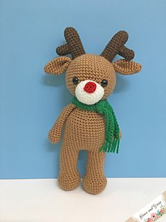 FREE Reindeer Crochet Patterns - The Lavender Chair | 320x240