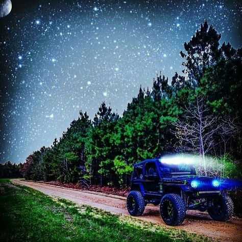Stars shining down on a JEEP