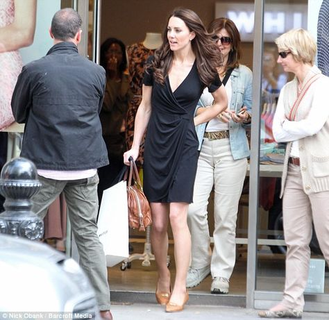 Kate Middleton spends last days of freedom before royal wedding shopping on  King s Road  54231d3a4