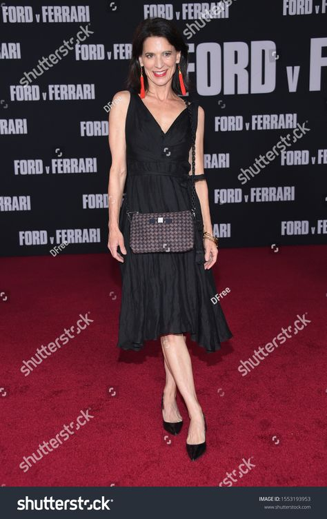 Los Angeles Nov 04 Perrey Reeves Arrives For The 脭ford V