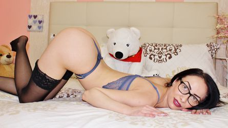 Pin On Fabulously Lonely Housewife Cam2cam