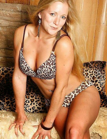 Here you can meet beautiful ,sexy and hot mature women,cougar,milf for  romance and relationships!