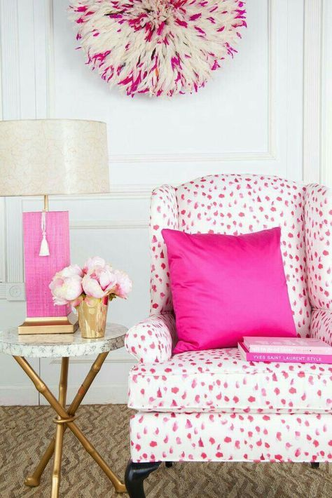 30 of the Most Pretty & Practical Entryways | Girly, Vignettes and ...