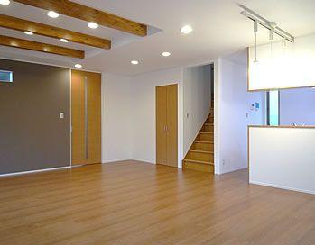 アクセントウォールで部屋テイストをチェンジ 神奈川県秦野市の住宅