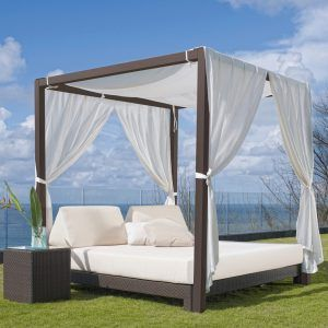 Canopy Outdoor Daybed Table With Images Patio Daybed Unique