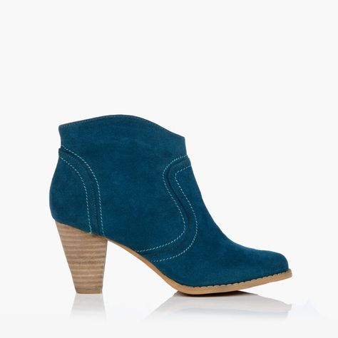 Leonie-Blue cowboy boots, which i have just purchased! Pay day!