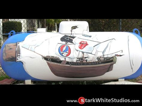 Propane tanks shouldn't suck. This one sure doesn't, turning your boring propane tank into a ship in a bottle? Cool. Making it a ghostship? Kinda Epic bro. You want to see how it was painted while led Zeppelin songs play in the background? yes, yes you do, so click the pic and follow your dreams.