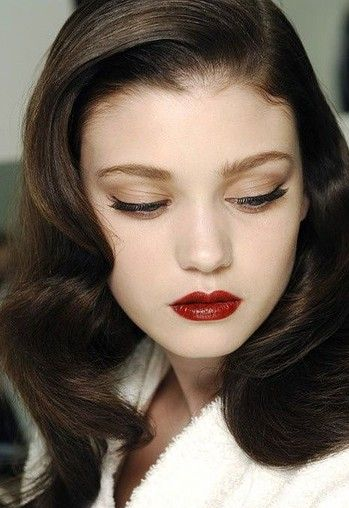 Vintage Makeup Soft, touchable waves clear, beautiful skin classic winged eyed dark lip lovely natural pale girl beauty - Makeup looks for every occasion, using beginner-friendly sticks!