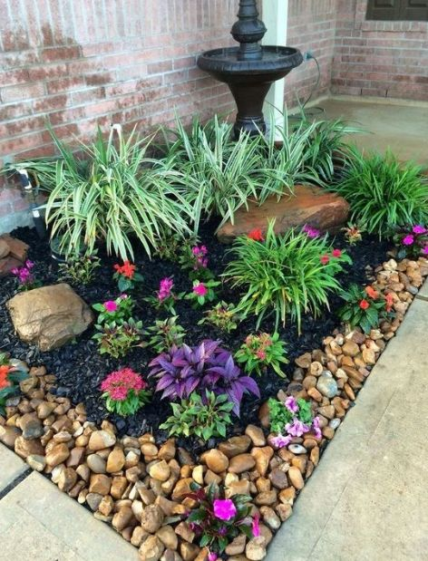 20 Cheap But Amazing Front Yard Lanscaping Design Ideas garden ideas in front of house 20 Cheap But Amazing Front Yard Lanscaping Design Ideas Small Front Yard Landscaping, Cheap Landscaping Ideas, Garden Landscaping, Landscaping Design, Front Yard Gardens, Front Yard Patio, Front Yard Decor, Front Yard Plants, Garden Yard Ideas