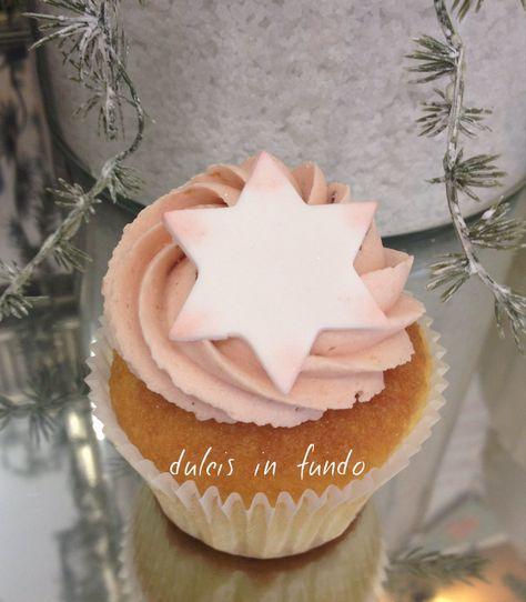 Christmas Cupcake with lemon & rasperry LIMONE E LAMPONE by dulcis in fundo