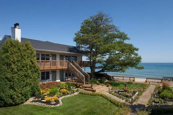 Huron House Bed And Breakfast Oscoda Mi This B B Is Couples Only