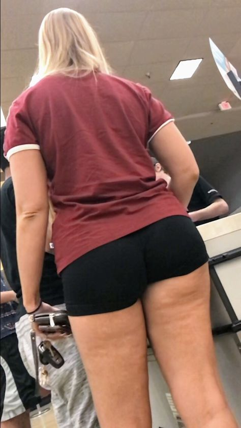 Teen College Girl With Sexy Legs and Ass Wearing Tight Shorts – Candid  Creepshots