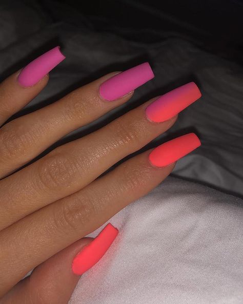 Kylie Jenner's Lip Kit-Themed Nails Are Almost Too Extra - Summer Acrylic Nails Ongles Kylie Jenner, Kylie Jenner Nails, Coffin Nails Designs Kylie Jenner, Nails Yellow, Neon Nails, Matte Nails, Orange Ombre Nails, Bright Orange Nails, Bright Colored Nails