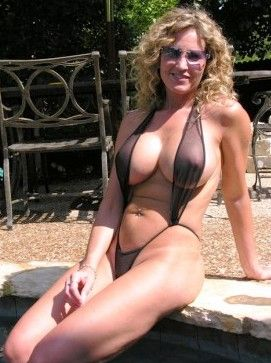Horny wife fucks plumber