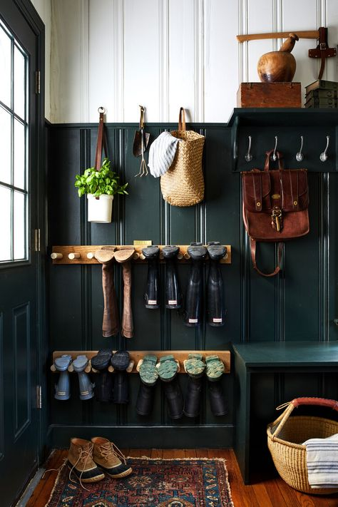 Home Tour // A Historic Colonial Revival in Delaware full of Charm and the Best Thrifted Finds — The Grit and Polish - - tour the charming historic home of Leigh and Ben Muldrow. Hall Deco, Interior Simple, My New Room, Home Staging, Mudroom, Home Organization, Organizing Tips, My Dream Home, Interior Inspiration