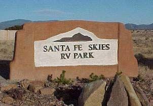 Santa Fe Skies Rv Park 14 Browncastle Ranch Santa Fe New Mexico 87508 877 565 0451 505 473 5946 Fax 505 471 9069 Rv Parks Rv Sante Fe New Mexico