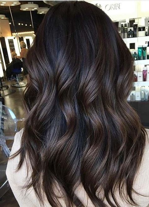Beissler Kimberly — Best Dark Chocolate Hair Color Shades to Show Off. Dark Chocolate Hair Color, Cabello Color Chocolate, Choclate Brown Hair, Espresso Hair Color, Hair Color Shades, Hair Color For Black Hair, Brown Highlights On Black Hair, Brown Hair Colors, Raven Hair Color