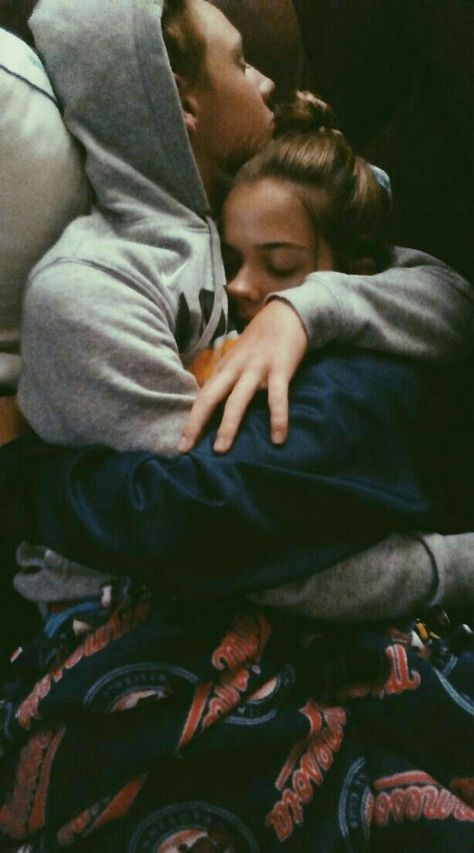 R y o s t o x bae goals, snuggling couple, cute couples cuddling, cute couples hugging, marriage Cute Celebrity Couples, Cute Couples Photos, Cute Couples Goals, Couples In Love, Celebrity Style, Goofy Couples, Couple Goals Teenagers, Teenage Couples, Intimate Couples