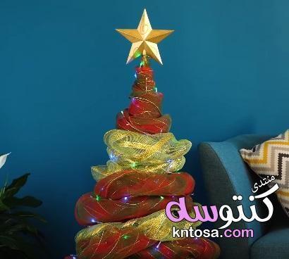 يوم الكريسماس شجرة الكريسماس بالصور عمل شجرة رائعه كيفية عمل زينه للكريسماس2018 Christmas Ornaments Holiday Decor Holiday