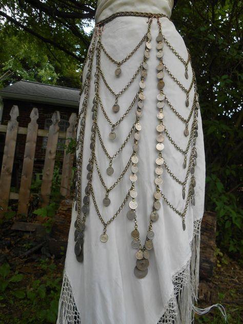 Art Deco Queen: Tribal Coin and Chain Belt / Skirt от OliviaKissel Tribal Fusion, Tribal Mode, Boho Gypsy, Hippie Boho, Bohemian, Estilo Tribal, Tribal Belly Dance, Belly Dance Belt, Belly Dance Jewelry