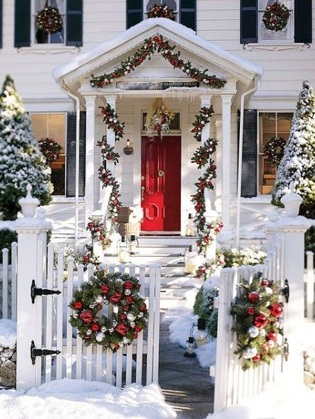 50 Fabulous Outdoor Christmas Decorations For A Winter Wonderland Front Porch Christmas Decor Outdoor Christmas Tree Christmas Porch