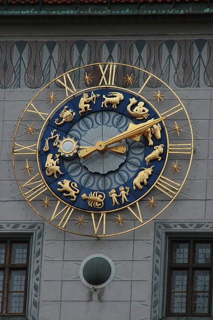 Zodiac Clock in München (Munich), Germany - Now that is one cool looking clock Unique Clocks, Cool Clocks, Marie Von Ebner Eschenbach, Objets Antiques, Tick Tock Clock, Father Time, As Time Goes By, Time Clock, Clock Decor