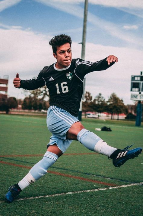 Soccer Photography Tips and Best Camera Settings Best Soccer Cleats, Soccer Pro, Soccer Gear, Soccer Drills, Kids Soccer, Play Soccer, Soccer Players, Soccer Sports, Messi Soccer