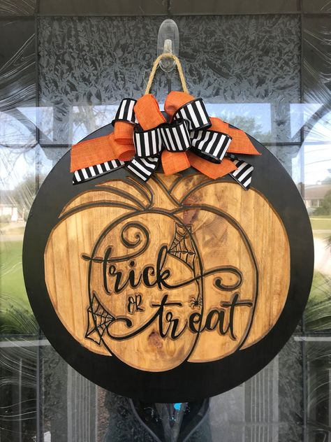 halloween door decorations Priority Mail Shipping is included at no additional charge! Welcome to Pappys Traditions! Beautifully adorn your front door, mantle or wall for Ha Wooden Door Signs, Carved Wood Signs, Wooden Doors, Fall Wooden Door Hangers, Halloween Door Hangers, Halloween Door Decorations, Diy Halloween Wreaths, Wooden Halloween Signs, Halloween Crafts To Sell
