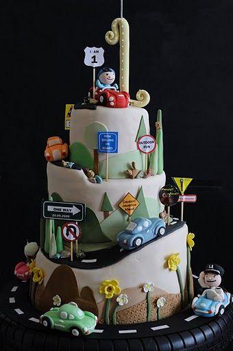 Rotating Car Cake by CforCupcake by olga