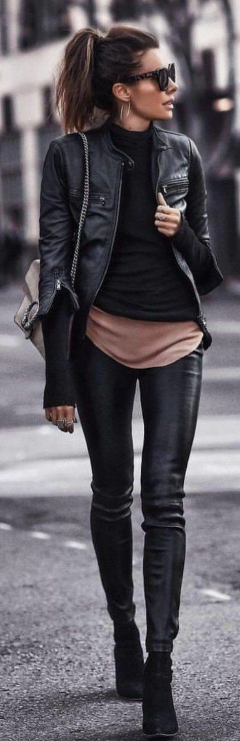 Love this black casual outfit #fall&winter fashion #style ideas #mode #damesmode #modetrends  #Black #casual #damesmode #Fallwinter #Fashion #ideas #love #Mode #ModeTrends #outfit #Style #winter