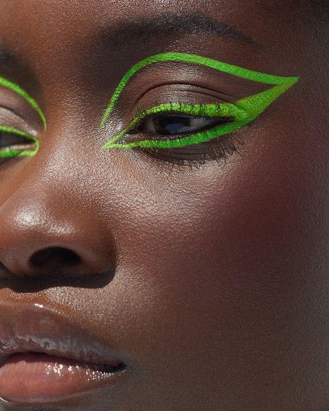 See things differently. Edgy Makeup, Makeup Eye Looks, Dark Skin Makeup, Cat Eye Makeup, No Eyeliner Makeup, Pretty Makeup, Fun Makeup, Eyeliner Looks, Makeup Shayla