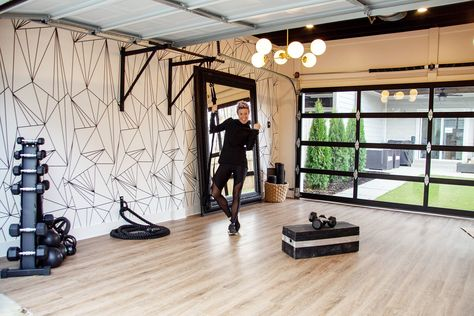 Garage Gym Build a Budget-Friendly At-Home Gym With These Tips From Celebrity Trainer Erin Oprea Home Gym Garage, Diy Home Gym, Home Gym Decor, Gym Room At Home, Workout Room Home, Basement Gym, Workout Rooms, Best Home Gym, Basement Ideas